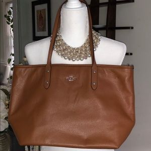 Coach Over the Shoulder Bag Really Good Condition